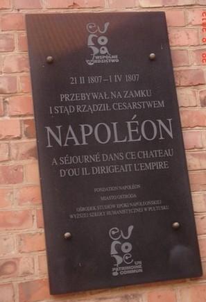 Plaque commémorative sur le fort d'Ostero