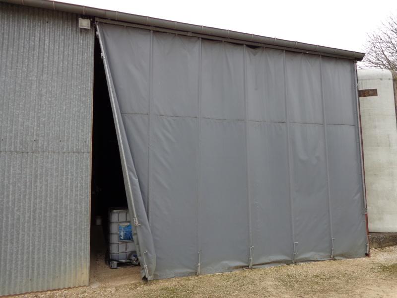Rideau sur rail a la place d 39 une porte for Porte de garage rideau occasion