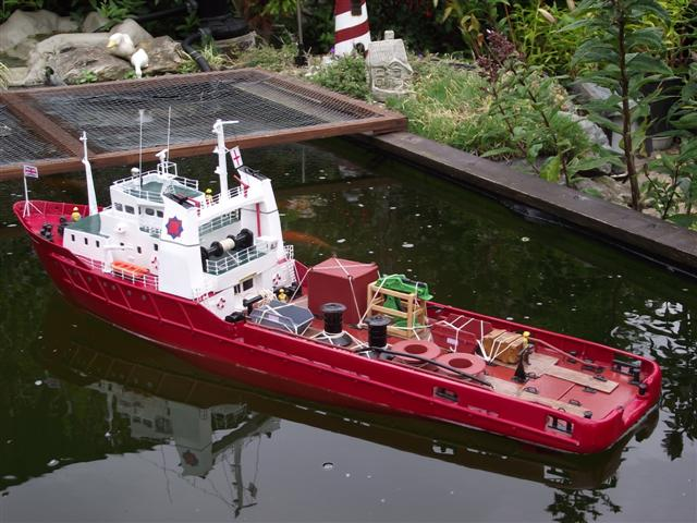 this is seaforth conqueror built from model boats plans, again plank ...