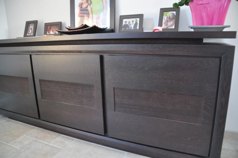 quelles couleurs pour les murs de mon salon avec meubles weng fonc. Black Bedroom Furniture Sets. Home Design Ideas